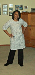 Tied in the back for a slim look: Sew Chic Dress A with long sleeves, ties, and pockets added