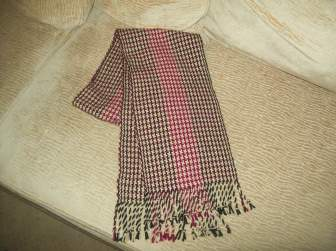 Finished acrylic houndstooth scarf