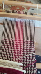 houndstooth scarf with acrylic yarn